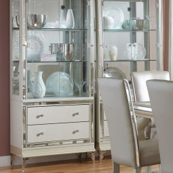 Hollywood Loft Pearl Curio
